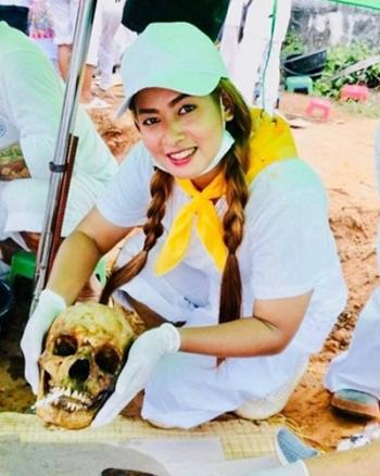 """""""กระแต""""นางฟ้าเก็บศพ กับการใช้ชีวิตจิตอาสามากว่า 6 ปี ไม่กลัวแม้กลิ่นคาวเลือด"""